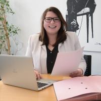 Andrea Schnappauf absolvierte ein Praktikum im Bürgerbüro von Volkmar Halbleib.