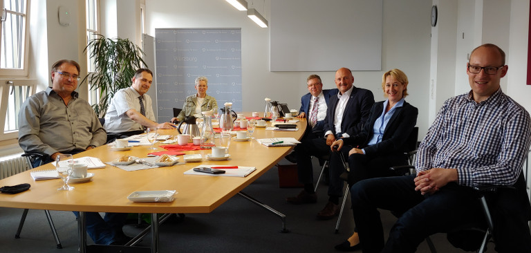(v.li.) Thomas Stelzer, Stefan Beil, Mathilde Schulze-Middig, Volkmar Halbleib, Bernd Rützel, Martina Fehlner und Alexander Kolbow