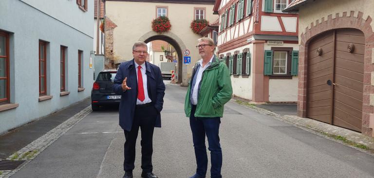 Volkmar Halbleib im vergangenen Jahr zu Gast in Thüngersheim, einem Ort, der von der Städtebauförderung profitieren konnte